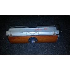 3D08197281QA Дефлектор центральный торпедо часы Phaeton б/у